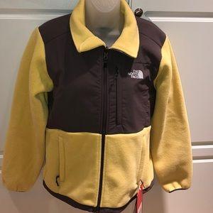 NWT TNF Denali jacket. Size M.